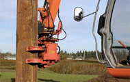 Bardai Group provides fast and versatile excavator mounted vibro sheet piling attachments.